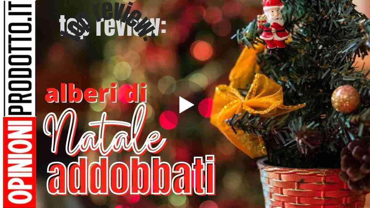Alberi di Natale addobbati ultima tendenza allo shopping Natalizio